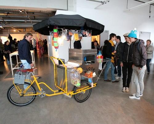 Kiosk: Inspiring Mobile 3D Printing Truck