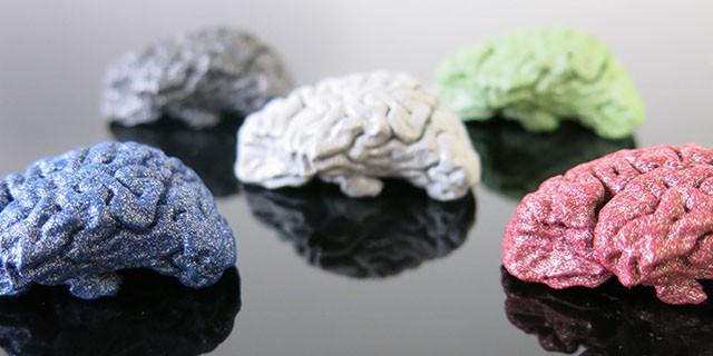 Nouvelles finitions pour l'alumide : couleurs et polissage