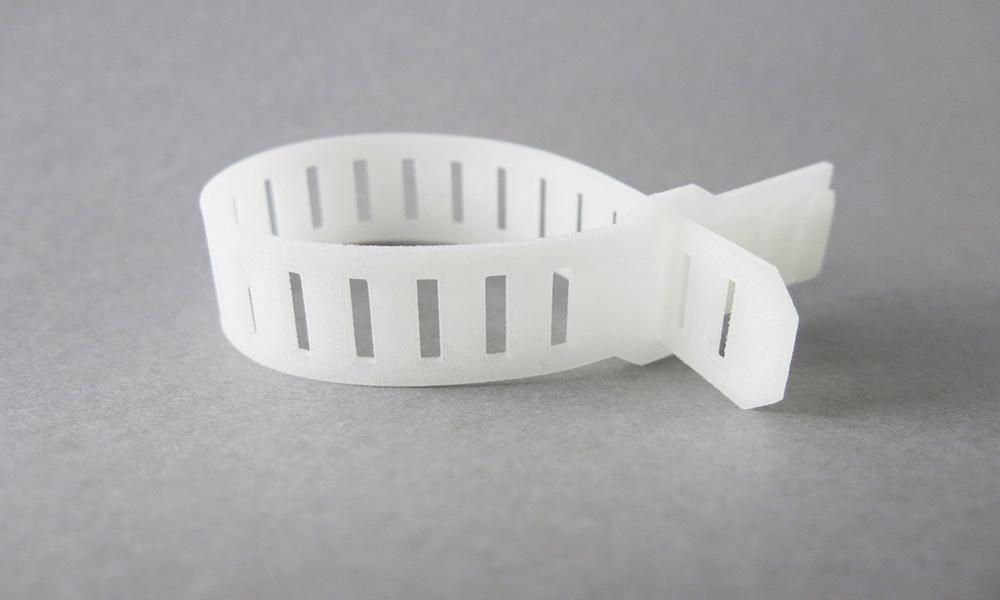 Plastique flexible pour l'impression 3D : Le PEBA est disponible chez Sculpteo