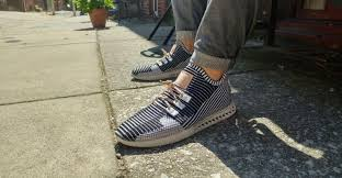 crédit: http://www.machinedesign.com/3d-printing/creating-custom-shoes-3d-printing