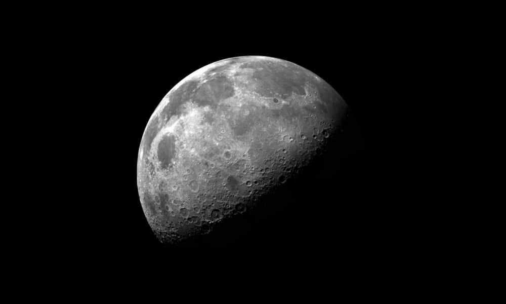 Revolution in space 3D printing: moon dust